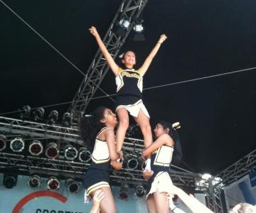 Pirates Cheerleader beim Museumsuferfest